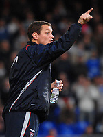 Photo: Ashley Pickering.<br />Ipswich Town v Burnley. Coca Cola Championship. 02/12/2006.<br />Ipswich manager Jim Magilton