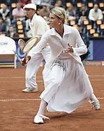 Orange Prokom Open 2006, ATP Tennis Turnier in Zopot,Polen.06.08.2006,Exhibition Doppel Match in historischer Kleidung, Ex Profis Olga Rejniak und Lech Sidor (beide POL),..Foto: Juergen Hasenkopf