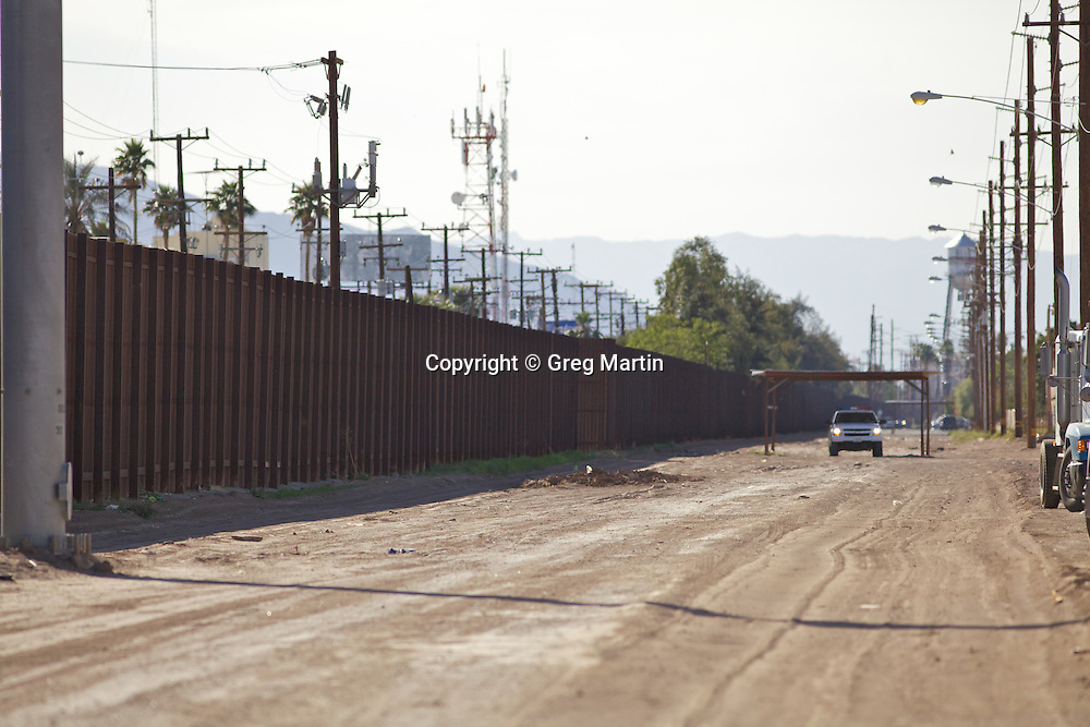 US-Mexican border and US border patrol Calexico California