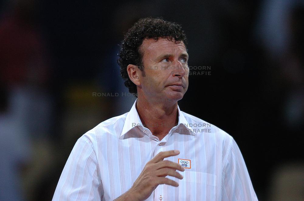 21-08-2004 VOLLEYBAL: OLYMPIC GAMES 2004 ITALIE - NEDERLAND: ATHENS<br /> Bert Goedkoop<br /> &copy;2004-Ronald Hoogendoorn Photography