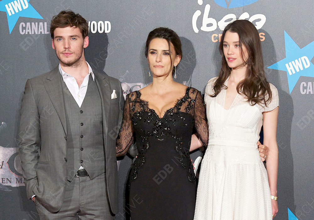 18.MAY.2011 MADRID<br /> <br /> SAM CLAFLIN, PENELOPE CRUZ AND ASTRID BERGES-FRISBEY AT THE PIRATES OF THE CARIBBEAN: ON STRANGER TIDES PREMIERE AT THE KINEPOLIS CINEMA IN MADRID, SPAIN.<br /> <br /> BYLINE: EDBIMAGEARCHIVE.COM<br /> <br /> *THIS IMAGE IS STRICTLY FOR UK NEWSPAPERS AND MAGAZINES ONLY*<br /> *FOR WORLD WIDE SALES AND WEB USE PLEASE CONTACT EDBIMAGEARCHIVE - 0208 954 5968*