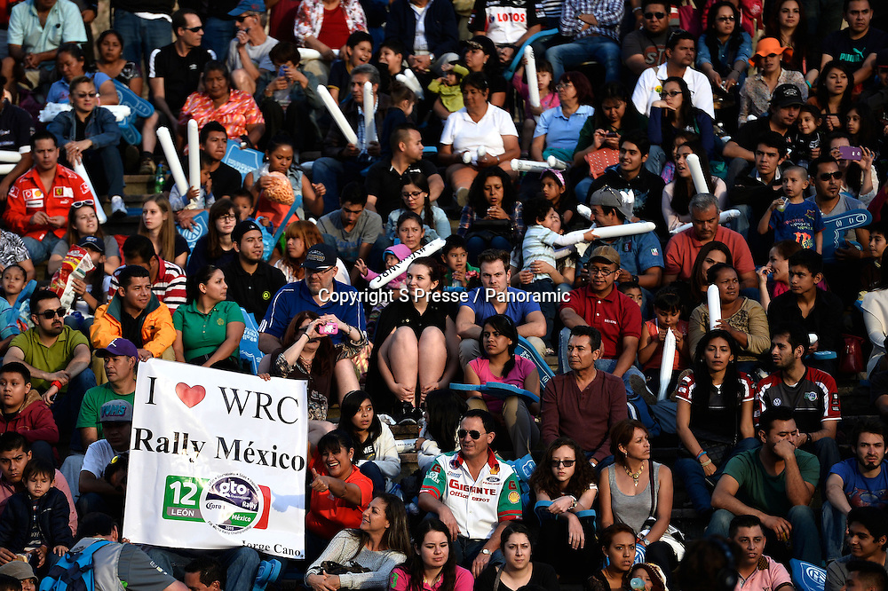 AMBIANCE fans rally mexique