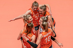 28-05-2019 NED: Volleyball Nations League Netherlands - Brazil, Apeldoorn<br /> <br /> Laura Dijkema #14 of Netherlands, Eline Timmerman #31 of Netherlands, Nika Daalderop #19 of Netherlands, Kirsten Knip #1 of Netherlands, /nl16/, Nicole Oude Luttikhuis #17 of Netherlands