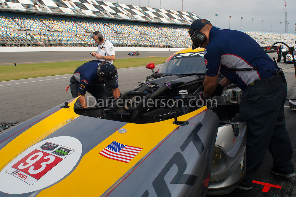 #93 SRT Motorsports SRT Viper GTS-R: Marc Goossens, Kuno Wittmer,