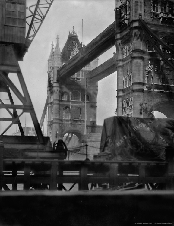 Tower Bridge, London, 1910