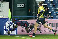 Takudzwa Ngwenya of USA scores during their  rugby test match against Romania, on National Stadium Arc de Triomphe in Bucharest, November 8, 2014.