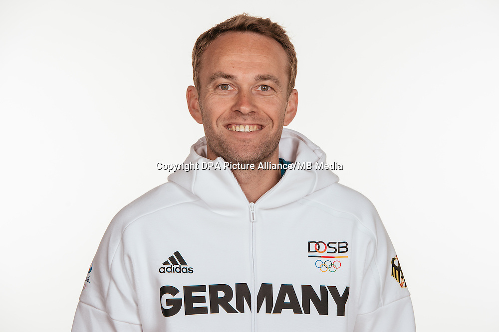 Patrick Pfingsten poses at a photocall during the preparations for the Olympic Games in Rio at the Emmich Cambrai Barracks in Hanover, Germany, taken on 14/07/16 | usage worldwide
