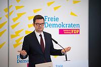DEU, Deutschland, Germany, Berlin, 12.03.2019: Dr. Marco Buschmann, 1. Parlamentarischer Geschäftsführer der FDP-Bundestagsfraktion, bei einem Pressestatement vor der Fraktionssitzung der FDP im Deutschen Bundestag.