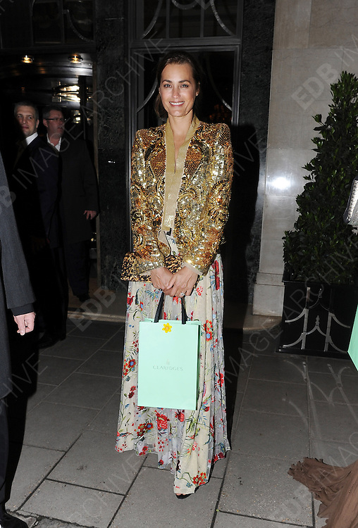 15.MAY.2012. LONDON<br /> <br /> YASMIN LE BON LEAVING CLARIDGES IN CENTRAL LONDON<br /> <br /> BYLINE: EDBIMAGEARCHIVE.COM<br /> <br /> *THIS IMAGE IS STRICTLY FOR UK NEWSPAPERS AND MAGAZINES ONLY*<br /> *FOR WORLD WIDE SALES AND WEB USE PLEASE CONTACT EDBIMAGEARCHIVE - 0208 954 5968*