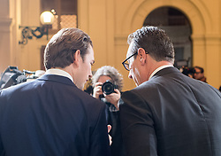 06.12.2017, Palais Epstein, Wien, AUT, Koalitionsverhandlungen von ÖVP und FPÖ anlässlich der Nationalratswahl 2017, im Bild ÖVP-Chef Sebastian Kurz and FPÖ-Chef Heinz-Christian Strache // Head of the Austrian Peoples Party (OeVP) Sebastian Kurz and Head of the Austrian Freedom Party (FPOe) Heinz-Christian Strache during coalition negotiations between the Austrian Peoples Party and Austrian Freedom Party due to general elections 2017 in Vienna, Austria on 2017/12/06, EXPA Pictures © 2017, PhotoCredit: EXPA/ Michael Gruber