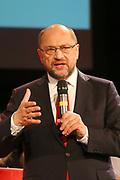 Mannheim. 19.09.17 | SPD-Kanzlerkandidat Martin Schulz im Capitol Mannheim.<br /> Im Wahlkampf zur Bundestagswahl unterstützt Kanzlerkandidat Martin Schulz Mannheims SPD Bundestagsabgeordneter Stefan Rebmann.<br /> <br /> <br /> BILD- ID 2372 |<br /> Bild: Markus Prosswitz 19SEP17 / masterpress (Bild ist honorarpflichtig - No Model Release!)