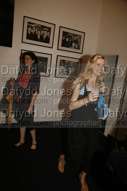 LEANA NAESS AND LAURA BAILEY, Opening of Photo-London, Burlington Gdns. London. 17 May 2006. ONE TIME USE ONLY - DO NOT ARCHIVE  © Copyright Photograph by Dafydd Jones 66 Stockwell Park Rd. London SW9 0DA Tel 020 7733 0108 www.dafjones.com