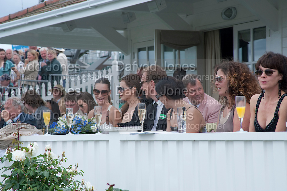 ANNA FRIEL; DAVID THEWLIS; NEVE CAMPBELL; TARA SMITH; HELEN MCCRORY,  Cartier International Polo Day at the Guards Polo Club. Windsor. July 26  2009