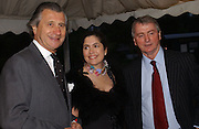 ARNAUD BAMBERGER, KIMBERLEY QUINN AND STEPHEN QUINN, Cartier dinner in the Chelsea Physic Garden. 22 May 2006. ONE TIME USE ONLY - DO NOT ARCHIVE  © Copyright Photograph by Dafydd Jones 66 Stockwell Park Rd. London SW9 0DA Tel 020 7733 0108 www.dafjones.com