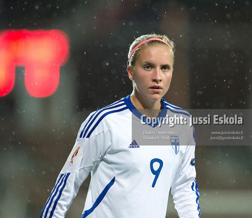 Marianna Tolvanen. Suomi - Ukraina. Naisten EM-karsinta. Helsinki 19.9.2012. Photo: Jussi Eskola
