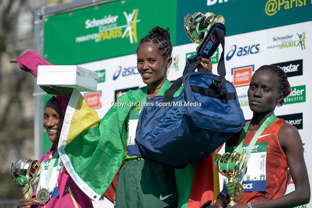 Meseret Mengistu / Amane Gobena / Visiline Jepkesho - 12.04.2015 - Marathon de Paris 2015<br />Photo :  Andre Ferreira  / Icon Sport