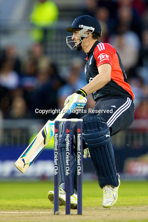 31.08.2011 Natwest International T20 England v India from Old Trafford. Craig Kieswetter runs in another for England.