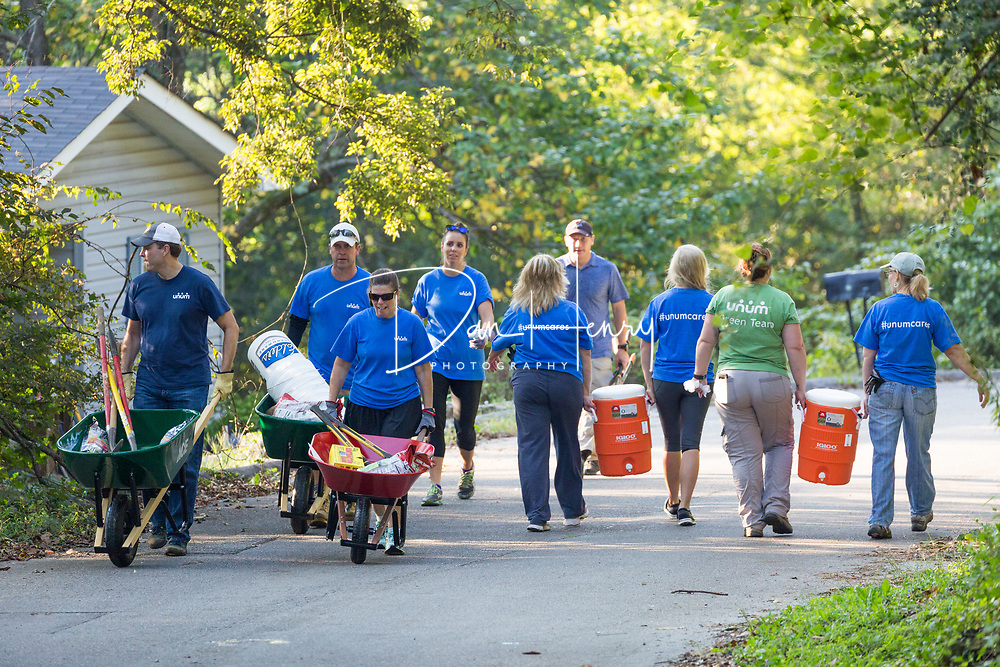 UNUM's day of caring event. Photo by Dan Henry / DanHenryPhotography.com