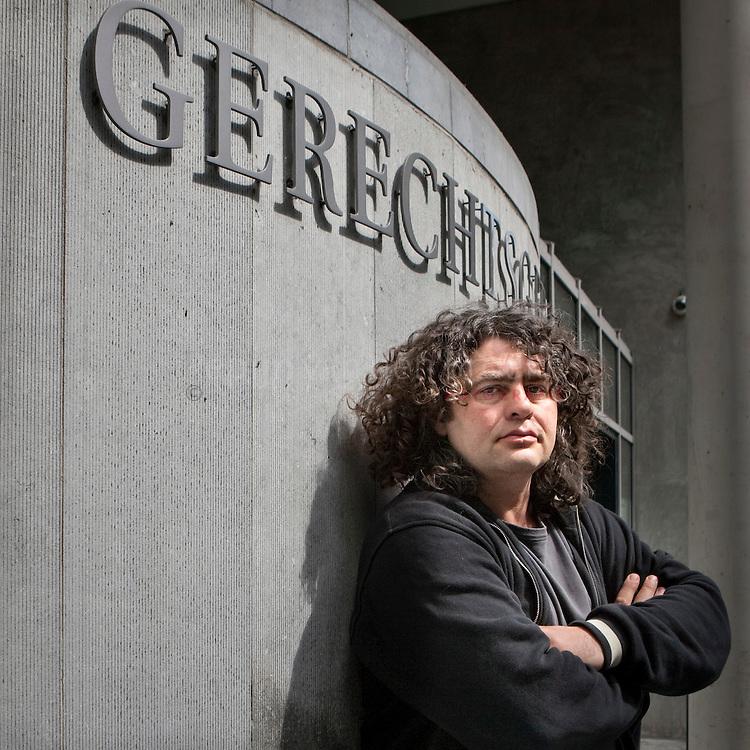 Groningen, gerechtsgebouw , 20100525. Rob Zijlstra, rechtbankverslaggever. foto: Pepijn van den Broeke