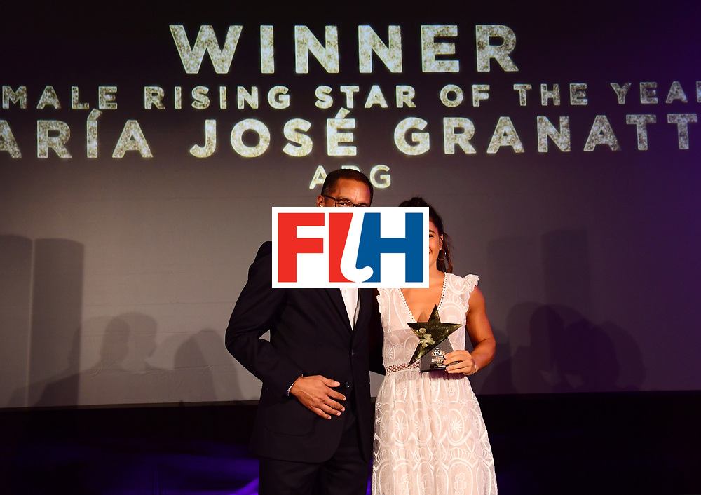 BERLIJN - FIH Hockey Stars Awards<br /> Foto: Female Rising Star of the Year<br /> Maria Jose Granatto from Argentina with Michael Green<br /> WORLDSPORTPICS COPYRIGHT FRANK UIJLENBROEK