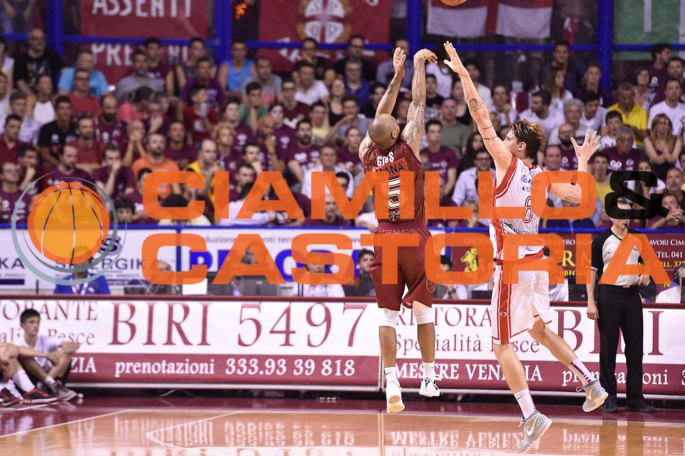 DESCRIZIONE : Venezia Lega A 2014-15 Semifinale Gara 7 Umana Venezia - Grissin Bon Reggio Emilia  <br /> GIOCATORE : Phill Goss<br /> CATEGORIA : tiro controcampo three points<br /> SQUADRA : Umana Venezia<br /> EVENTO : Campionato Lega A 2014-2015 <br /> GARA : Semifinale Gara 7 Umana Venezia - Grissin Bon Reggio Emilia <br /> DATA : 11/06/2015<br /> SPORT : Pallacanestro <br /> AUTORE : Agenzia Ciamillo-Castoria/GiulioCiamillo<br /> Galleria : Lega Basket A 2014-2015  <br /> Fotonotizia : Venezia Lega A 2014-15 Semifinale Gara 7 Umana Venezia - Grissin Bon Reggio Emilia