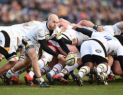 Wasps scrum half Joe Simpson passes the ball out of the scrum in Aviva Premiership clash with Bath Rugby at the The Recreation Ground - Photo mandatory by-line: Paul Knight/JMP - Mobile: 07966 386802 - 10/01/2015 - SPORT - Rugby - Bath - The Recreation Ground - Bath Rugby v Wasps - Aviva Premiership