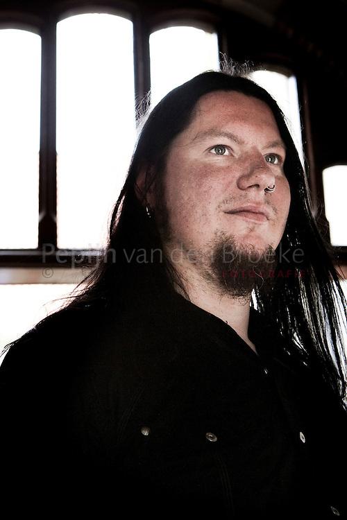 groningen 20100808. metalman / kunstenaar Wokkel die metalcafe De Ster gaat voortzetten in de Benzinebar. foto: Pepijn van den Broeke
