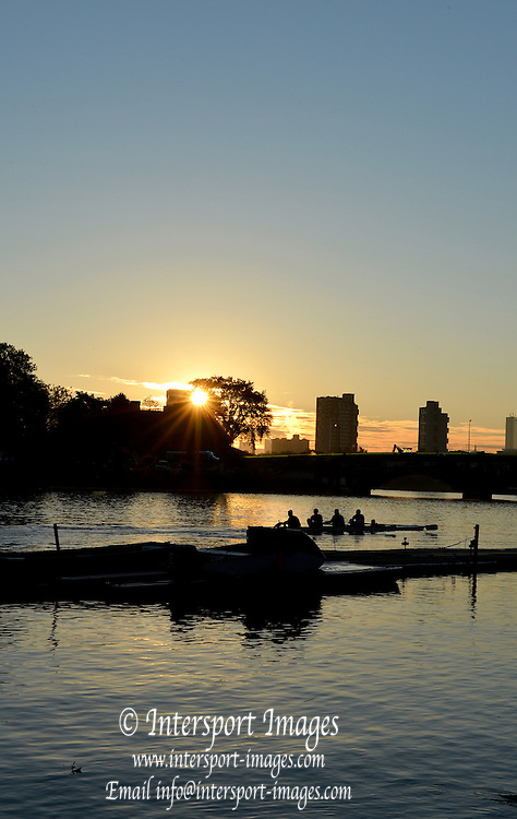 "Boston,  USA  ."" 2012 Head of the Charles"".  ..Description. Sunrise, over Anderson road Bridge  Boston City Scape  Charles River. Cambridge,  Massachusetts, .Thursday  18/10/2012...[Mandatory Credit: Peter Spurrier/Intersport Images]"