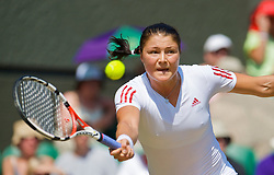 LONDON, ENGLAND - Tuesday, June 30, 2009: Dinara Safina (RUS) during the Ladies' Singles Quarterfinal on day eight of the Wimbledon Lawn Tennis Championships at the All England Lawn Tennis and Croquet Club. (Pic by David Rawcliffe/Propaganda)