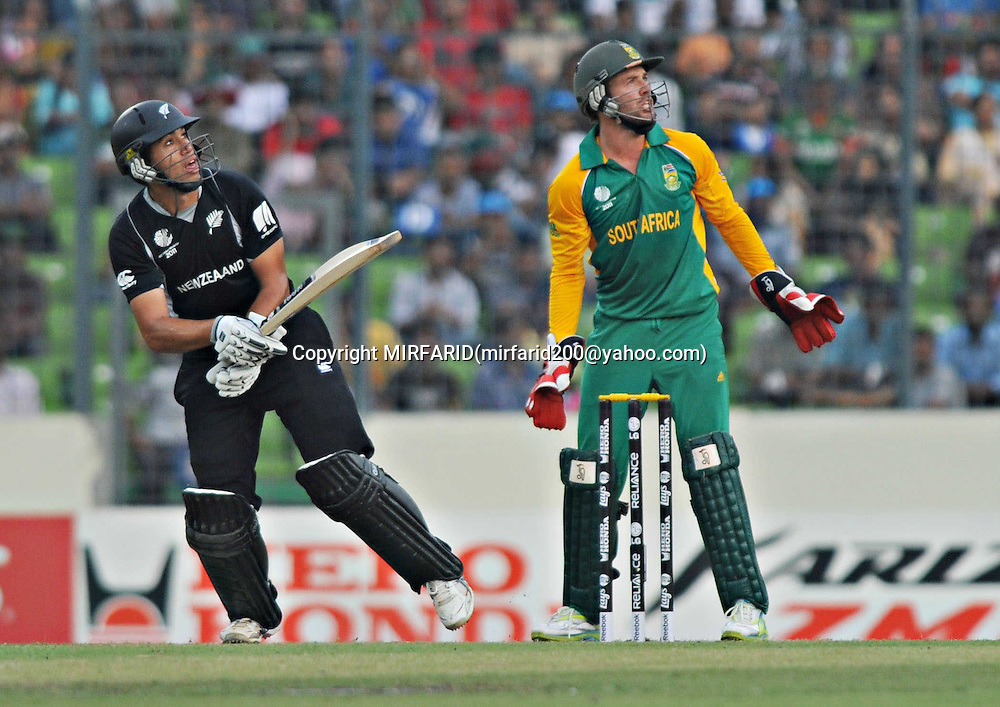 Ross Taylor and AB de Villiers during the ICC Cricket World Cup quarter final match between South Africa and New Zealand held at the Shere Bangla National Stadium, Mirpur, Bangladesh on the 25 March 2011..Photo by SPORTZPICS
