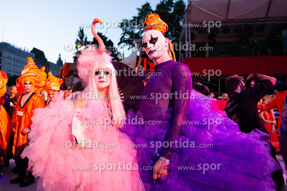08.06.2019, Rathaus, Wien, AUT, Life Ball, im Bild kostuemierte Gaeste // during the Life Ball at the Rathaus in Wien, Austria on 2019/06/08. EXPA Pictures © 2019, PhotoCredit: EXPA/ Florian Schroetter