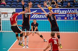 24-09-2016 NED: EK Kwalificatie Nederland - Wit Rusland, Koog aan de Zaan<br /> Nederland wint na een 2-0 achterstand in sets met 3-2 / Kay van Dijk #12, Jasper Diefenbach #6