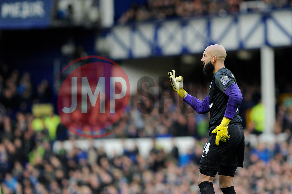 Everton's Tim Howard - Photo mandatory by-line: Dougie Allward/JMP - Tel: Mobile: 07966 386802 23/11/2013 - SPORT - Football - Liverpool - Merseyside derby - Goodison Park - Everton v Liverpool - Barclays Premier League