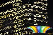 Nederland, Nijmegen, 19-12-2008Het gebouw FiftyTwoDegrees, 52 degrees, van NXP. In het gebouw,ontworpen door Mecano architecten, zijn kennisbedrijven uit de regio gehuisvest die samenwerken met NXP. Het electronica bedrijf maakt halfgeleiders, chips, en software voor mobiele communicatie,consumenten electronica en veiligheids toepassingen. Het bedrijf heeft te leiden onder de kredietcrisis en de recessie die daarop volgt, en gaat drastisch reorganiseren waarbij 1300 ontslagen vallen. NXP Building in the Netherlands, NXP Semiconductors supplies semiconductors and software for mobile communications, consumer electronics and security applications.Foto: Flip Franssen/Hollandse Hoogte
