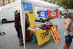 Catalonia, Spain Sep 2017. Vilafranca del Penedes. On 1 October Catalans will go to the polls to vote in a referendum on whether to secede from Spain and form an independent republic however Madrid says the referendum is unconstitutional. Catalonian flags & 'si' signs proliferate throughout the region. Here merchandise is being sold