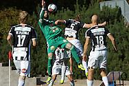 10.9.2016, Paavo Nurmen stadion, Turku.<br /> Ykkönen 2016.<br /> Turun Palloseura - Kokkolan Pallo-Veikot.<br /> Irakli Sirbiladze (KPV) v Mikael Liespuu (TPS).
