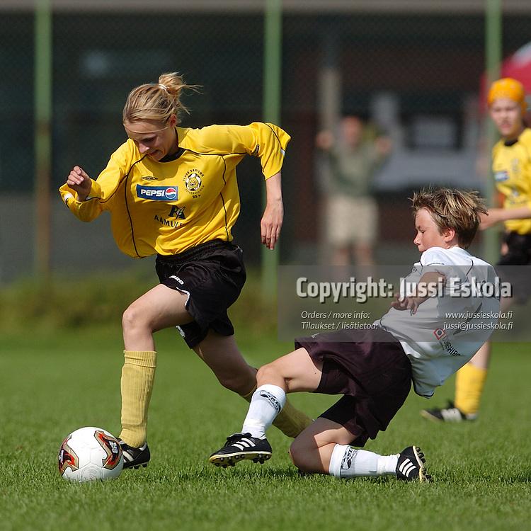 Tyttöjen F.U.N.-turnaus, Vantaa 8.8.2004.&#xA;Photo: Jussi Eskola<br />
