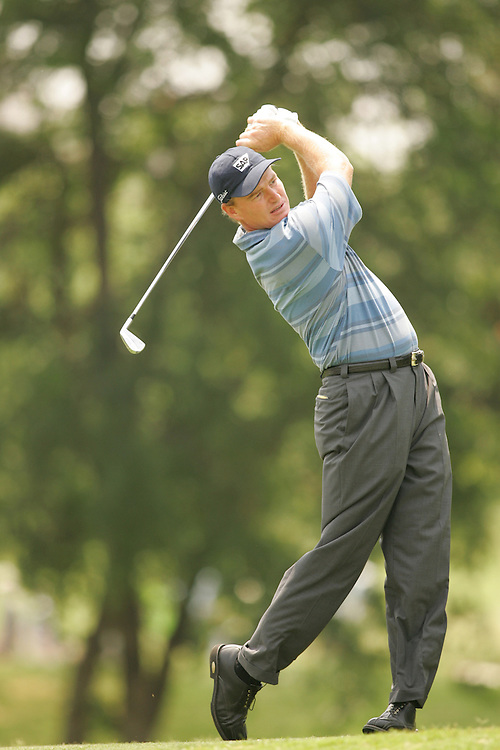 Ernie Els.2005 EDS Byron nelson Championship.Second Round.Cottonwood Valley GC.Irving, TX.Friday, May 13 2005.photograph by Darren Carroll.05-13-05...