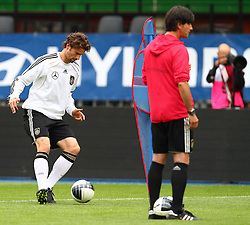 02.06.2011, Ernst Happel Stadion, Wien, AUT, UEFA EURO 2012, Qualifikation, Abschlusstraining Deutschland (GER), im Bild Arne Friedrich, (GER) und Bundestrainer Joachim Löw, (GER) // during the final training from Germany for the UEFA Euro 2012 Qualifier Game, Austria vs Germany, at Ernst Happel Stadium, Vienna, 2010-06-02, EXPA Pictures © 2011, PhotoCredit: EXPA/ T. Haumer
