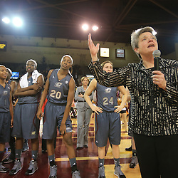Womens Basketball Goes Undefeated at Home