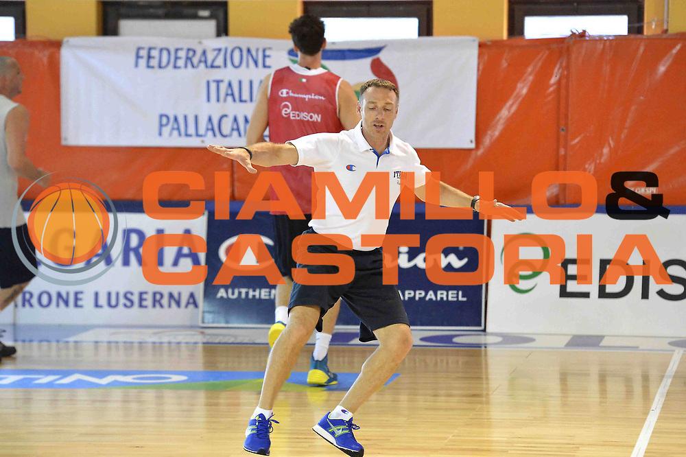 DESCRIZIONE : Folgaria Allenamento Raduno Collegiale  Nazionale Italia Maschile <br /> GIOCATORE : Francesco Cuzzolin<br /> CATEGORIA : allenamento <br /> SQUADRA : Nazionale Italiana Uomini <br /> EVENTO :  Allenamento Raduno Folgaria<br /> GARA : Allenamento<br /> DATA : 02/08/2013 <br />  SPORT : Pallacanestro<br />  AUTORE : Agenzia Ciamillo-Castoria/GiulioCiamillo<br />  Galleria : FIP Nazionali 2013<br />  Fotonotizia : Folgaria Allenamento Raduno Collegiale  Nazionale Italia Maschile <br />  Predefinita :