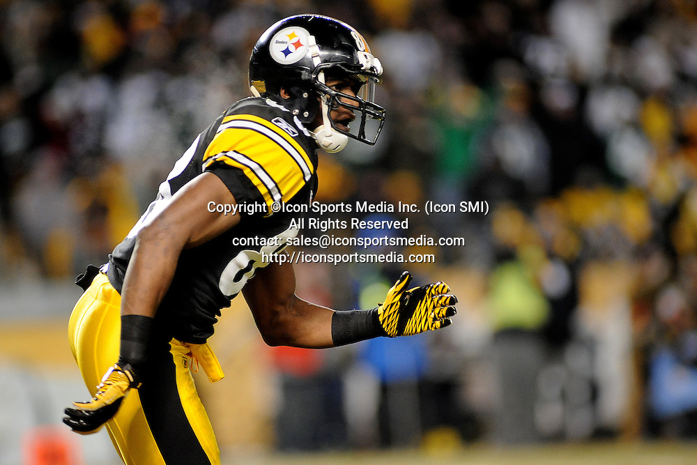Jan. 23, 2011 - Pittsburgh, PENNSYLVANNIA, U.S - Pittsburgh Steelers wide receiver Emmanuel Sanders (88) runs a route in the third quarter as the Steelers take on the Jets in the AFC Championship game at Heinz Field in Pittsburgh, PA...Steelers defeat the Jets 24-19 to win the AFC Divisional Championship