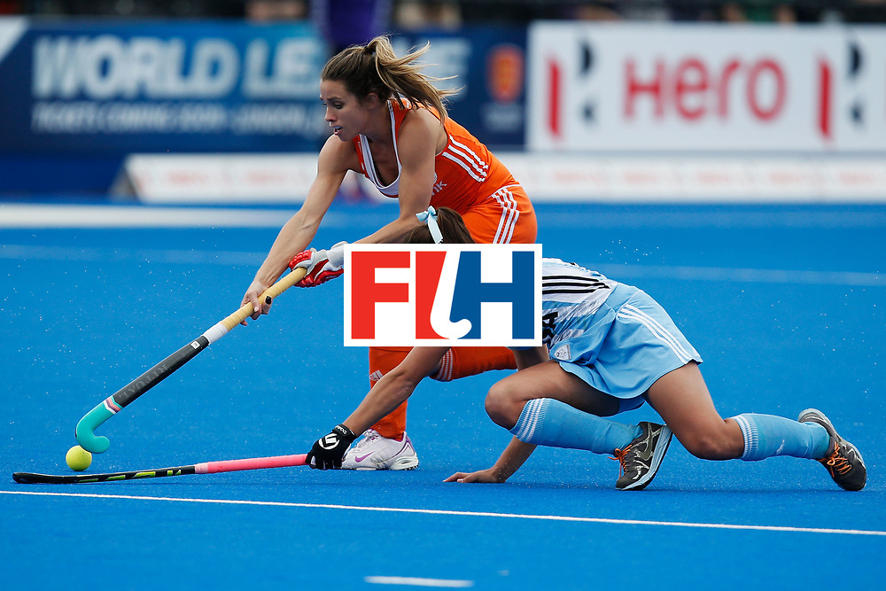 LONDON, ENGLAND - JUNE 26: Ellen Hoog of the Netherlands and Julia Gomes battle for the ball during the FIH Women's Hockey Champions Trophy 2016 Final between the Netherlands and Argentina  at Queen Elizabeth Olympic Park on June 26, 2016 in London, England.  (Photo by Joel Ford/Getty Images)
