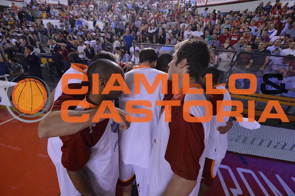 DESCRIZIONE : Roma Lega A 2012-2013 Acea Roma Lenovo Cantu playoff semifinale gara 7<br /> GIOCATORE : Team<br /> CATEGORIA : Presentazione<br /> SQUADRA : Acea Roma<br /> EVENTO : Campionato Lega A 2012-2013 playoff semifinale gara 7<br /> GARA : Acea Roma Lenovo Cantu<br /> DATA : 06/06/2013<br /> SPORT : Pallacanestro <br /> AUTORE : Agenzia Ciamillo-Castoria/GiulioCiamillo<br /> Galleria : Lega Basket A 2012-2013  <br /> Fotonotizia : Roma Lega A 2012-2013 Acea Roma Lenovo Cantu playoff semifinale gara 7<br /> Predefinita :