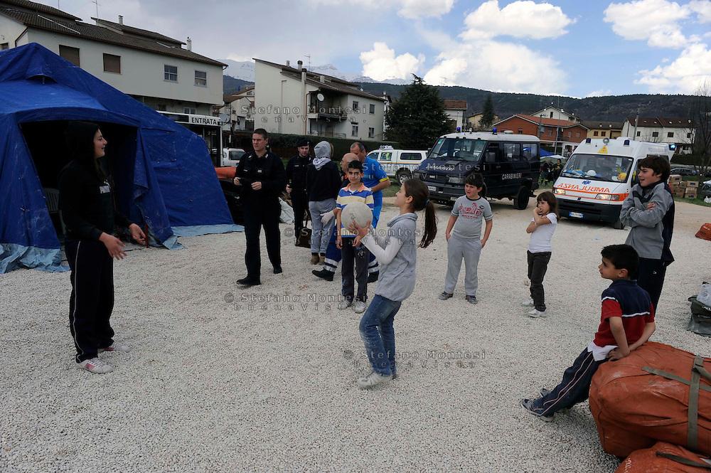7 Aprile 2009.Terremoto  Abruzzo.Tempera.Il campo  degli  sfollati.Earthquak  Abruzzo.Tempera camp