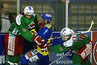 Ishockey, 9. desember 2002. Eliteserien, Frisk Asker - Storhamar 1-3. Jeff Norton (48) , Asker ,  og Lars Peder Nagel (14) , Asker
