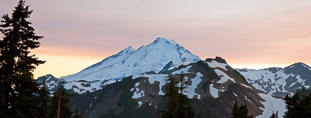A sunset view of Mount Baker from Artist Point in the Mount Baker-Snoqualmie National Forest in Washington State, USA