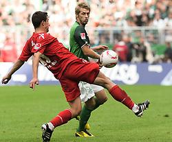 28.08.2010, Weserstadion, Bremen, GER, 1. FBL, Werder Bremen vs 1. FC Köln / Koeln, im Bild Mato Jajalo (Koeln #19, links), Aaron Hunt (Bremen #14, rechts)   EXPA Pictures © 2010, PhotoCredit: EXPA/ nph/  Frisch+++++ ATTENTION - OUT OF GER +++++ / SPORTIDA PHOTO AGENCY