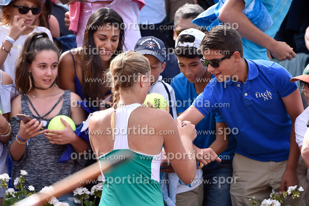 04.06.2017, Roland Garros, Paris, FRA, WTA Tour, French Open, im Bild Kristina Mladenovic (FRA) // during the French Open Tournament of the WTA Tour at the Roland Garros in Paris, France on 2017/06/04. EXPA Pictures © 2017, PhotoCredit: EXPA/ Vianney Thibaut