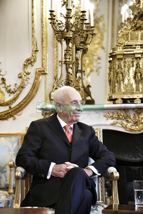 Former Israeli President, Nobel Peace Prize laureate and President of the Peres Center for Peace, Shimon Peres, during his meeting with French President Francois Hollande at the Elysee Palace in Paris, France on December 18, 2014. Photo Pool by Denis Allard/ABACAPRESS.COM